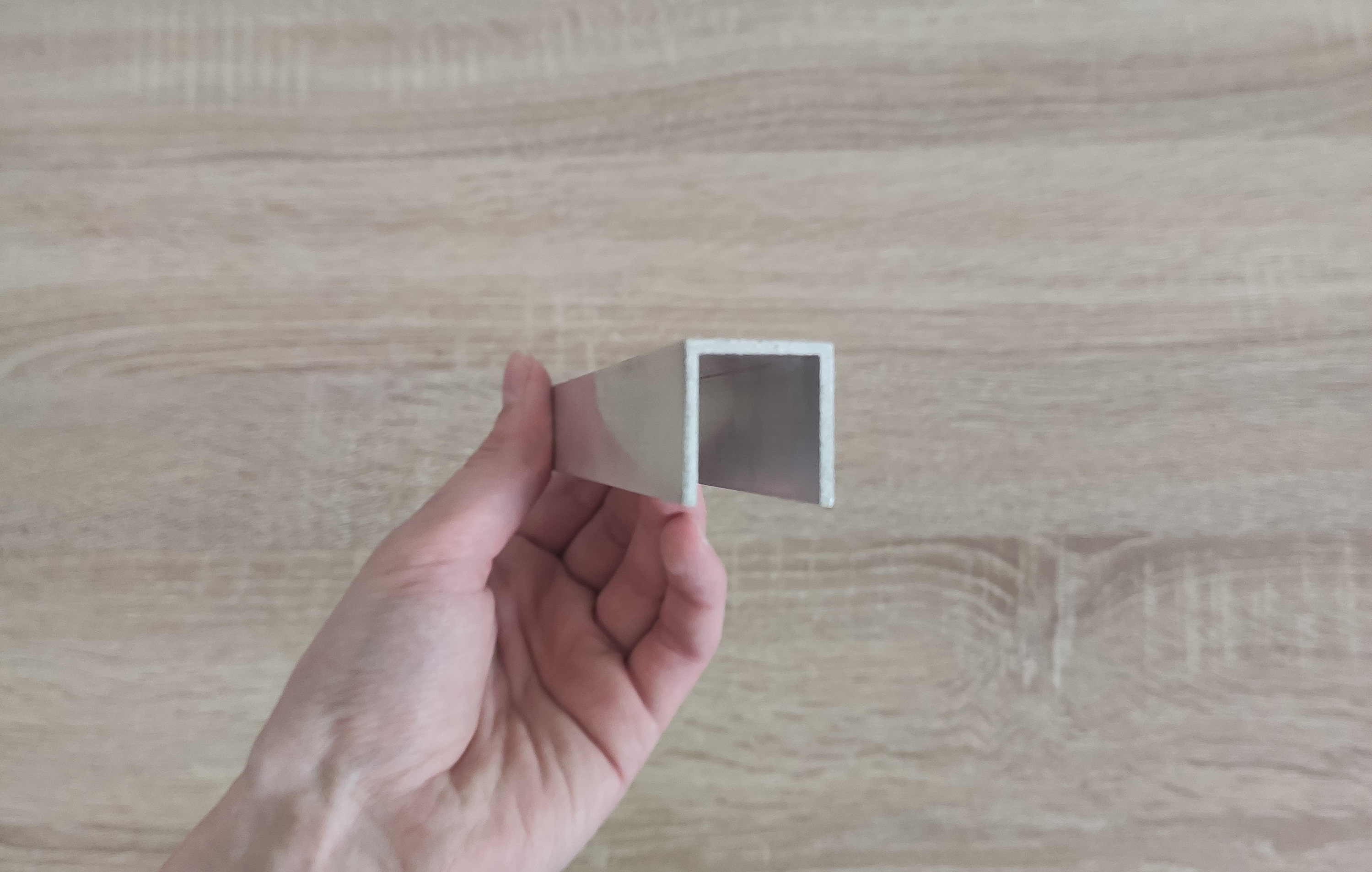 tvar U, šírka 20,5mm