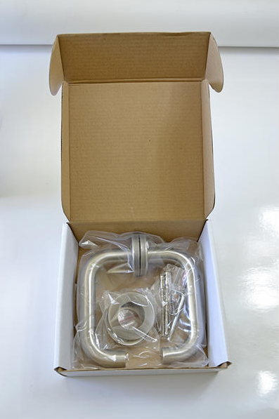 Inoxová rovná zaoblená kľučka z brúsenej nereze s okrúhlou rozetou
