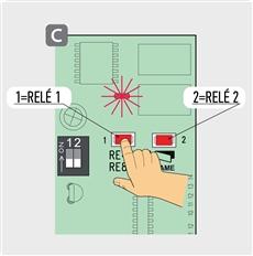 1. Podržte tlačidlo na prijímači pre RELÉ, ktoré chcete uložiť do pamäte, LED dióda L1 sa rozbliká.