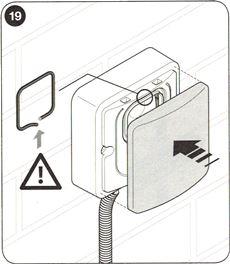 13. Nasaďte priesvitný kryt. Nezabudnite na izolačnú gumičku.