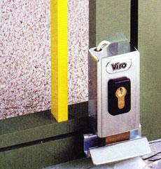 Vertikálne použitie elektrozámku NICE PLA10