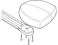 2. Pripevnite pohon ku hlavici na prenos rotácie pohonu pomocou štyroch priložených skrutiek 6,3x38