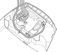 2. Prevlečte káble cez otvor, anténny kábel prevlečte bokom cez očko a zapojte všetky káble.