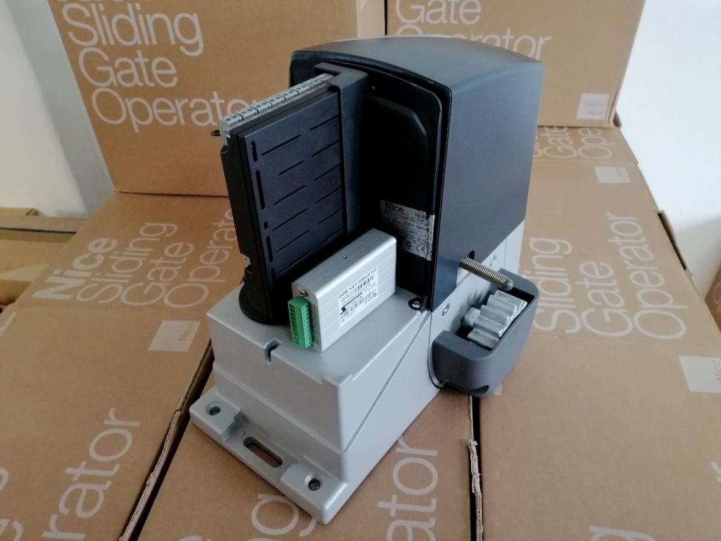 GSM modul na pohone NICE Robus 400