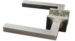 Kľučka rovná ostrá z brúsenej nereze so štvorcovou rozetou